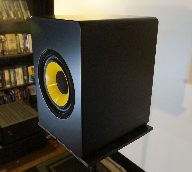 The Appearance Of CCB8 Single9R CCB 8 Speakers Is A Bit Unusual From Ordinary Bookshelf