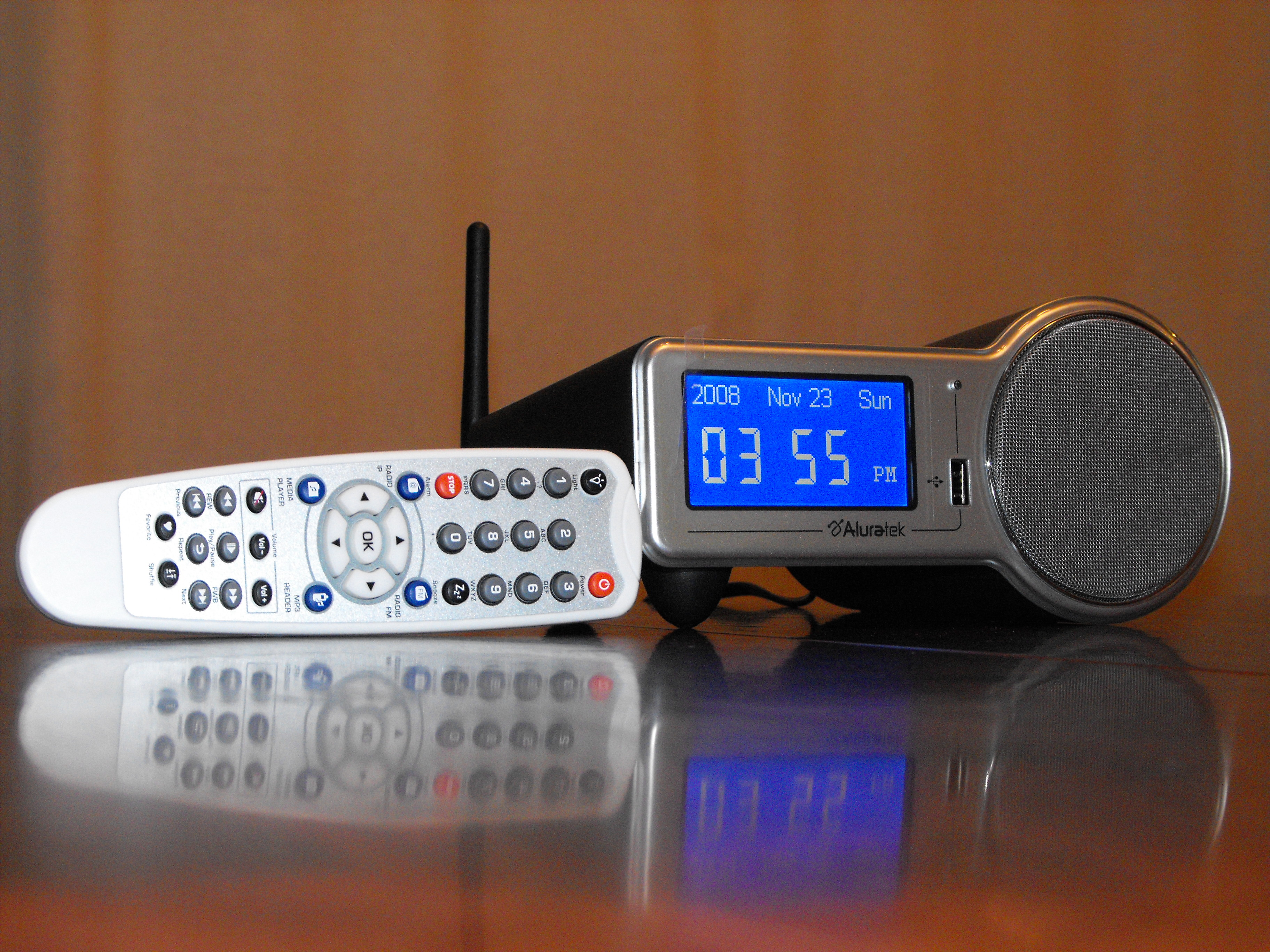 Aluratek+Internet+Radio+Alarm+Clock+with+Wi-Fi