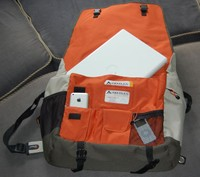 lowepro messenger open