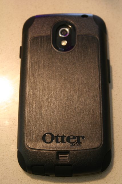 OtterBox-Nexus+-+commuter-back