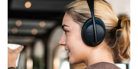 Bose Focuses On Innovative Tech With The Noise Cancelling Headphones 700