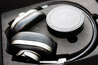 Master & Dynamic MW60 Wireless Headphones Review