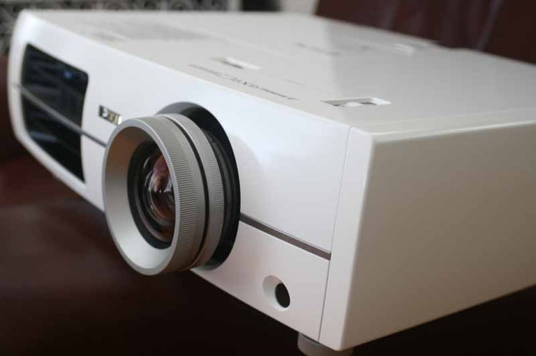 Epson Home Cinema 8100 Projector