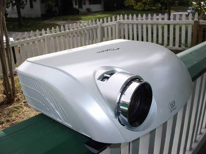 Optoma hd81 dlp projector review audioholics for Miroir hd pro projector review