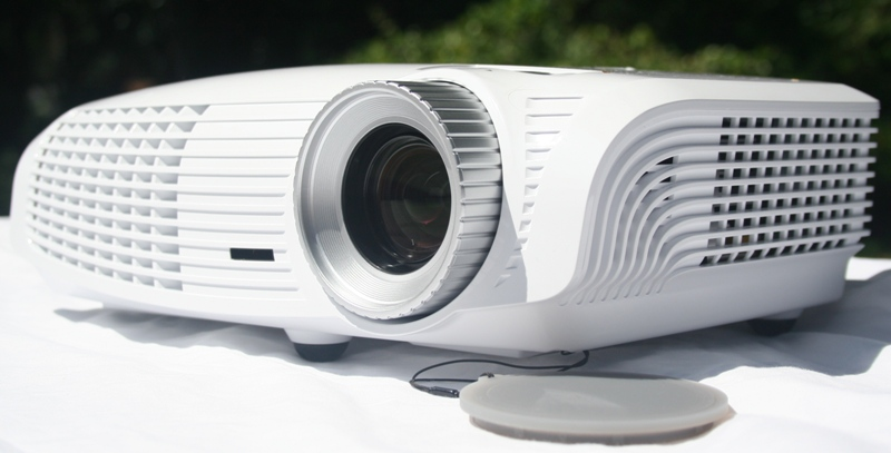 Optoma hd20 dlp projector review audioholics for Miroir hd pro projector review