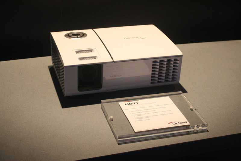 Optoma hd65 and hd71 projectors audioholics for Miroir hd pro projector review