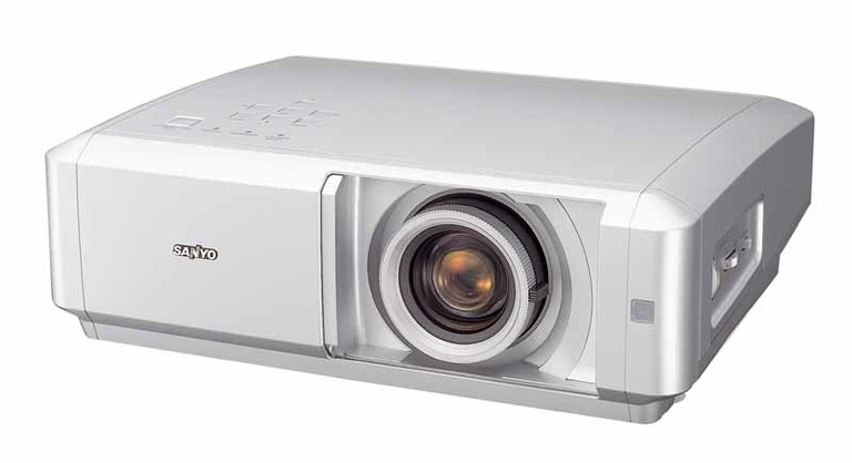 Sanyo PLV-Z5 LCD Projector Review